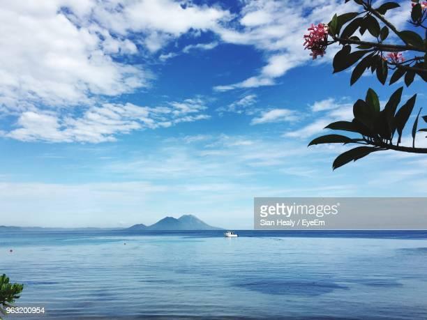 scenic view of sea against sky - papua new guinea stock pictures, royalty-free photos & images