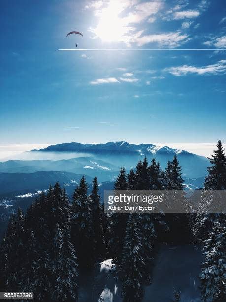 scenic view of silhouette mountains against sky during winter - dan peak stock photos and pictures