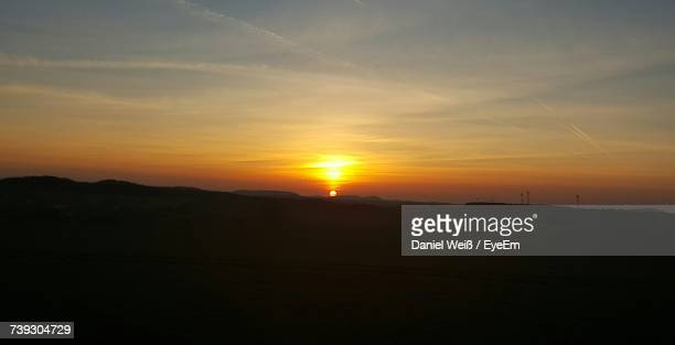 scenic view of sky during sunset - weiß stock pictures, royalty-free photos & images