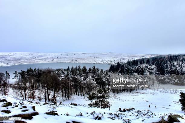 scenic view of snow covered landscape against sky - south yorkshire stock pictures, royalty-free photos & images