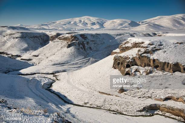 scenic view of snowcapped mountains against clear sky,kars,turkey - アナトリア ストックフォトと画像