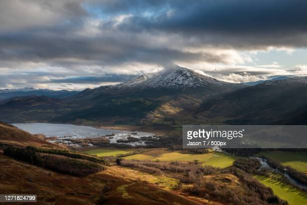 scenic view of snowcapped mountains against sky, aberfeldy, united kingdom - アバフェルディ ストックフォトと画像