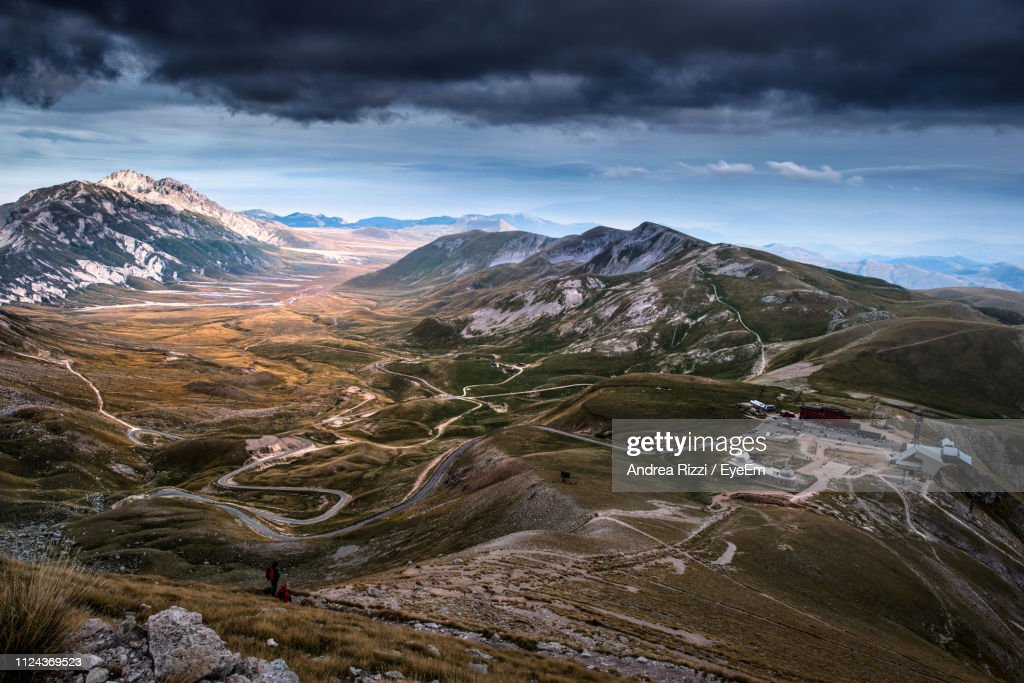 Scenic View Of Snowcapped Mountains Against Sky : Foto de stock