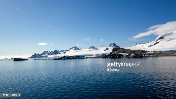 scenic view of the antarctic peninsula - antarctic peninsula stock pictures, royalty-free photos & images