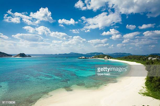 scenic view of the deserted tropical beach - 沖縄県 ストックフォトと画像