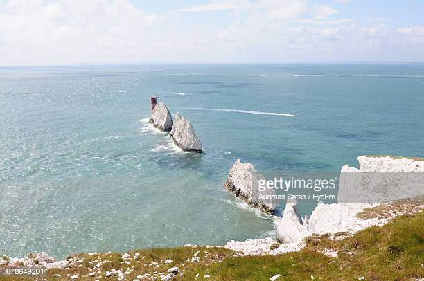 scenic view of the needles - isle of wight stock pictures, royalty-free photos & images