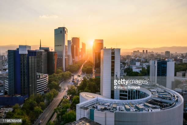 scenic view over skyscrapers and paseo de la reforma, mexico city, mexico - mexico city stock pictures, royalty-free photos & images