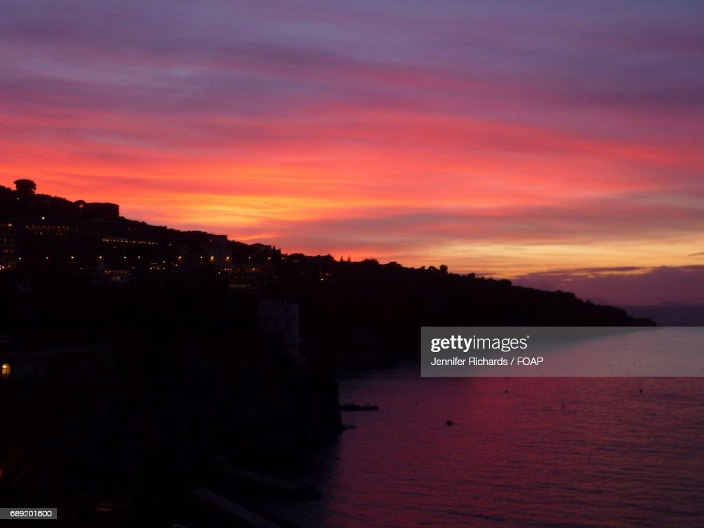 Scenic view sea at sunset, Sorrento : Stock Photo