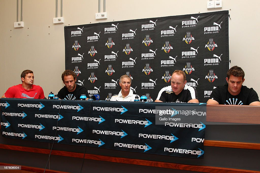 2013 SupeRugbY: Southern Kings Training Session And Press Conference : News Photo