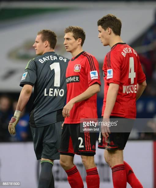 FUSSBALL 1 BUNDESLIGA SAISON FC Schalke 04 Bayer 04 Leverkusen Torwart Bernd Leno Daniel Schwaab und Philipp Wollscheid sind enttaeuscht