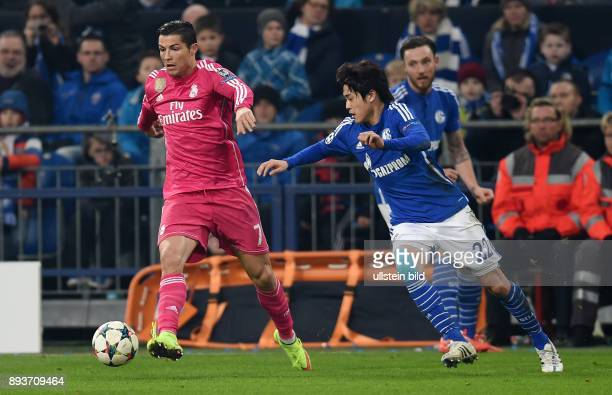FUSSBALL CHAMPIONS FC Schalke 04 Real Madrid Cristiano Ronaldo gegen Atsuto Uchida