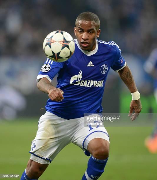 FUSSBALL CHAMPIONS FC Schalke 04 Real Madrid Jefferson Farfan am Ball
