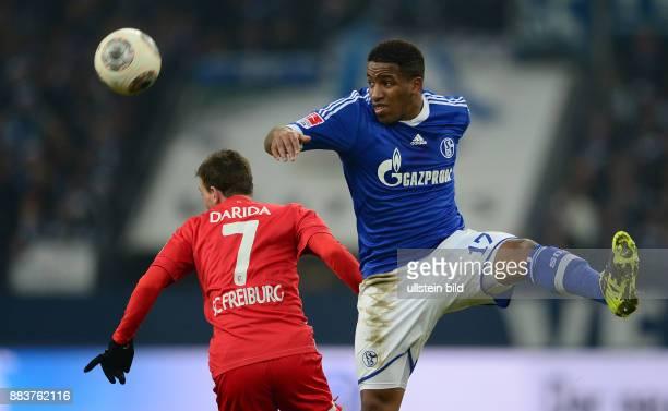 FUSSBALL 1 BUNDESLIGA SAISON FC Schalke 04 SC Freiburg Jefferson Farfan gegen Vladimir Darida