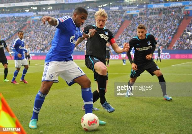 FUSSBALL 1 BUNDESLIGA SAISON FC Schalke 04 TSG 1899 Hoffenheim Jefferson Farfan gegen Andreas Beck und Fabian Johnson