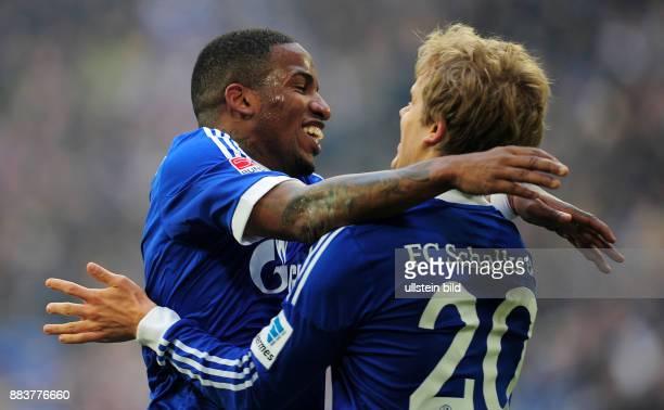 FUSSBALL 1 BUNDESLIGA SAISON FC Schalke 04 TSG 1899 Hoffenheim Jefferson Farfan und Teemu Pukki jubeln nach dem 30
