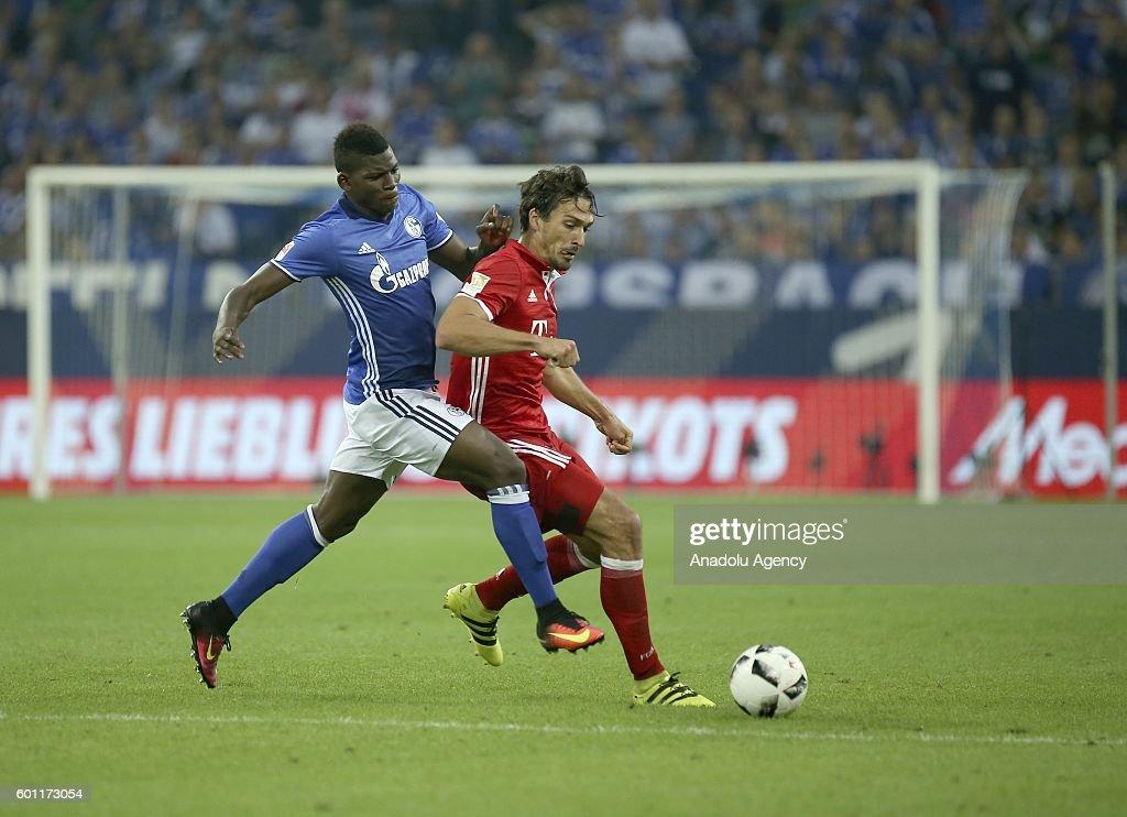 FC Schalke 04 v FC Bayern Munich - Bundesliga : News Photo