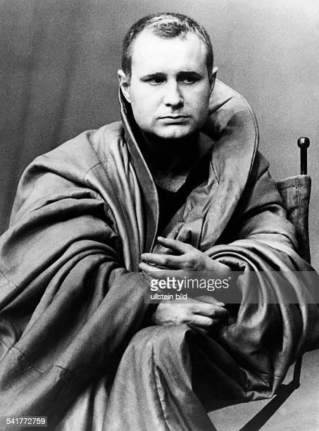 Schall Ekkehard *Schauspieler DDR in der Rolle des 'Coriolan' in dem gleichnamigen Stueck von Bertolt Brecht nach einer Vorlage von ShakespeareRegie...