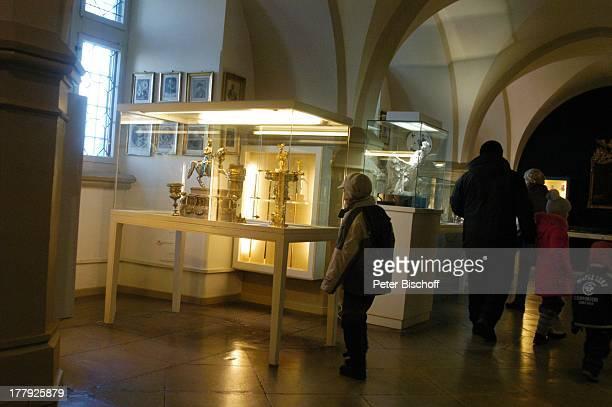 Schatzkammer Burg 'Hohenzollern' Bisingen BadenWürrtemberg Deutschland Europa Denkmal Sehenswürdigkeit touristische Attraktion Architektur Neugotik...