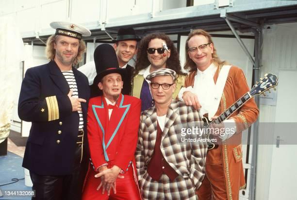 Schauorchester Ungelenk, deutsche Musik-Truppe, Comedy, Clownerie und Parodie, Aufnahme circa 1995.