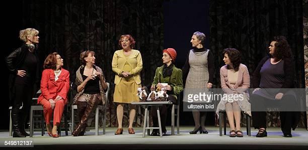 Schauspieler Anne Kasprik als Cora Brigitte Grothum als Jessie Sylvia Wintergruen als Celia Martina Mann Nela Bartsch als Marie Manon Strache als...