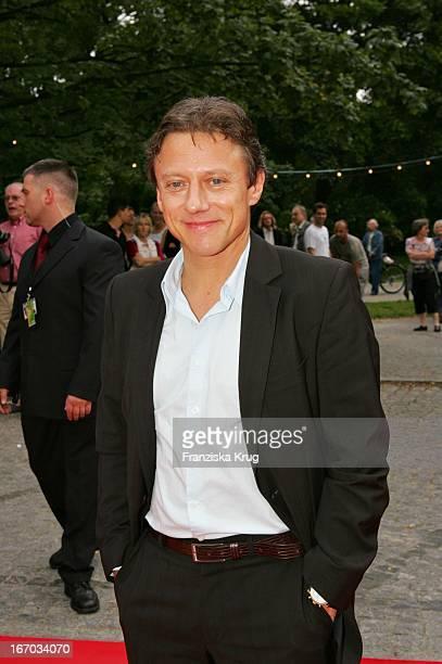 Schauspieler Axel Pape Bei Der Verleihung Des Brisant Brillant Im Tipi Zelt Am Kanzleramt In Berlin Am 030905