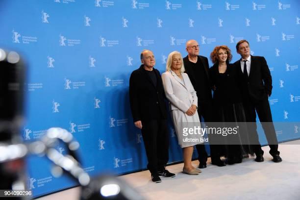 Schauspieler Bruno Ganz Regisseur Matti Geschonnek Schauspielerin Evgenia Dodina und Schauspieler Sylvester Groth während des Photocalls zum Film IN...