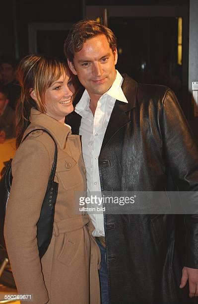 Schauspieler Christian Kahrmann mit Freundin Sandia anklässlich der Europapremiere vin KILL BILL in Berlin