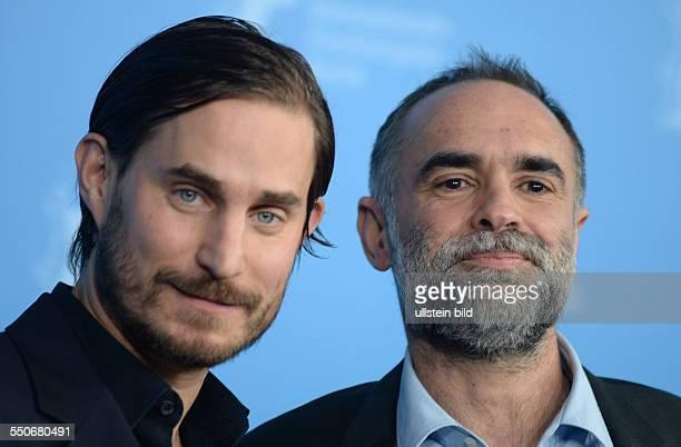 Schauspieler Clemens Schick mit Regisseur Karim Ainouz während des Photocalls zum Film PRAIA DO FUTURO anlässlich der 64 Internationalen...