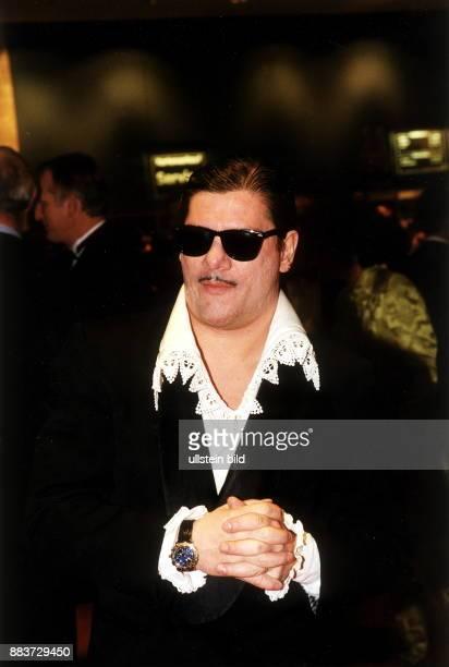 Schauspieler D Porträt mit Sonnenbrille November 1999