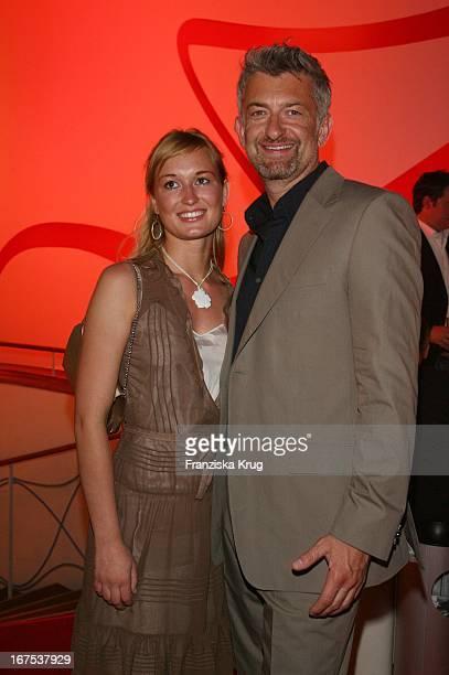 Schauspieler Dominic Raacke Mit Freundin Bei Der Verleihung Der New Faces Awards Im Bcc In Berlin Am 030407
