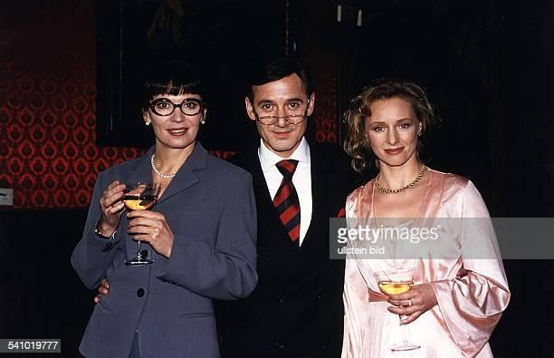 Schauspieler, Dzusammen mit Iris Berben undMarita Marschall in dem Spielfilm'Peanuts - die Bank zahlt alles'- 1995