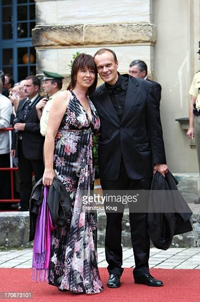 Schauspieler Edgar Selge Mit Seiner Ehefrau Franziska Walser Bei Der Ankunft Zur Premiere Der Bayreuther Festspiele Richard Wagner Festival In...