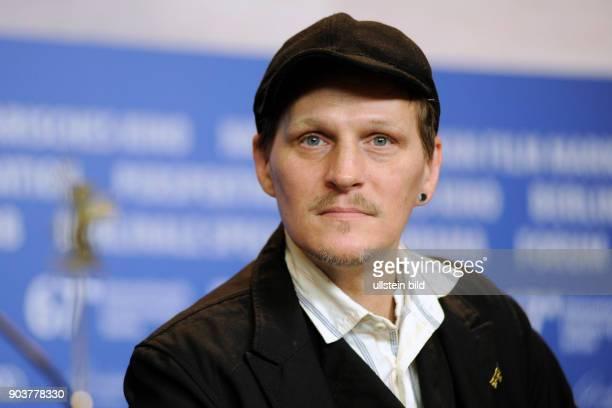 Schauspieler Georg Friedrich während der Pressekonferenz zum Film HELLE NÄCHTE - BRIGHT NIGHTS anlässlich der 67. Berlinale