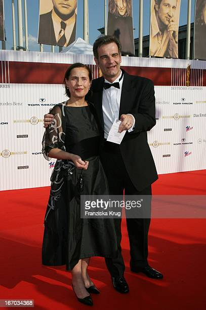 """Schauspieler Heinrich Schafmeister Mit Ehefrau Jutta Bei Der Verleihung Des """"Deutschen Filmpreis"""" Im Palais Am Funkturm In Berlin Am 120506 ."""