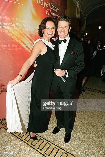 Schauspieler Horst Kummeth Mit Ehefrau Eva Bei Der Verleihung Des Bayerischen Filmpreis Im Prinzregententheater In München Am 140105