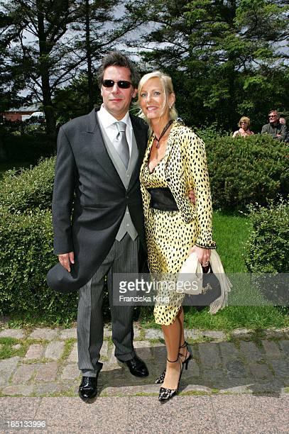 Schauspieler Jan Fedder Mit Ehefrau Marion Bei Der Kirchlichen Hochzeit Von Stich In Der St Severin Kirche In Keitum Auf Sylt Am 110605