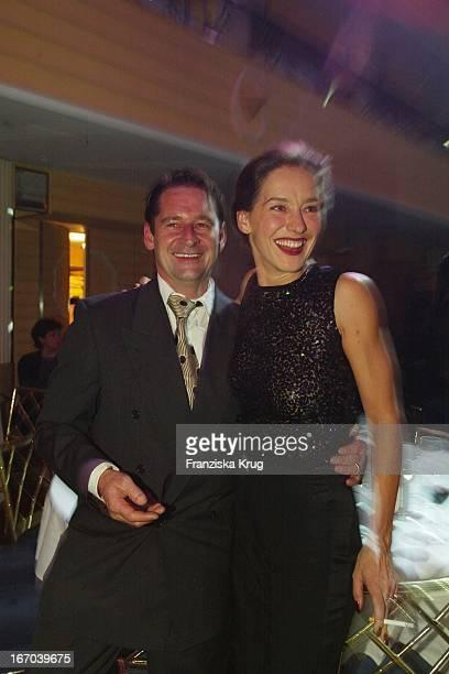 Schauspieler Max Tidof Und Ehefrau Lisa Seitz Bei Der Dvd Champion 2002 Verleihung Im Bayerischen Hof