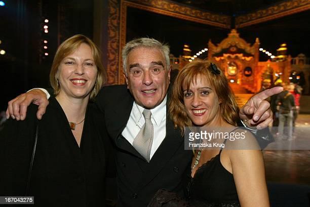 Schauspieler Michael Degen Mit Lebensgefährtin Susanne Sturm Tochter Elisabeth Degen Bei Der Verleihung Des BZ Kulturpreis 2003 Am 290103 Im...