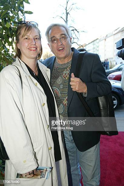 Schauspieler Michael Degen Und Seine Ehefrau Susanne Sturm Bei Der Sat 1 Gala Premiere Des Zweiteilers Für Immer Verloren Am 150403 In München