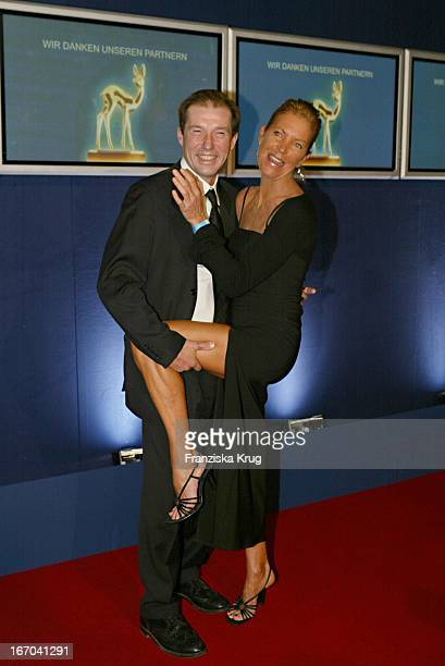 Schauspieler Michael Lesch Mit Ehefrau Christina Bei Der Verleihung Des Medienpreis Bambi In Hamburg Am 271103