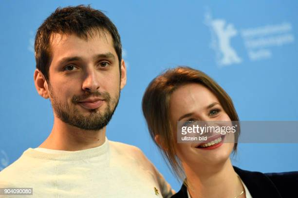 Schauspieler Mircea Postelnicu und Schauspielerin Diana Cavallioti während des Photocall zum Film ANA MON AMOUR anlässlich der 67 Berlinale