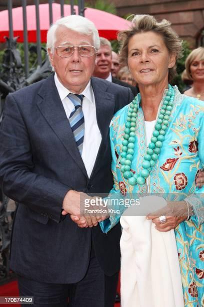 Schauspieler Peter Weck Und Ehefrau Ingrid Muttone Bei Der Premiere Der Nibelungenfestspiele In Worms