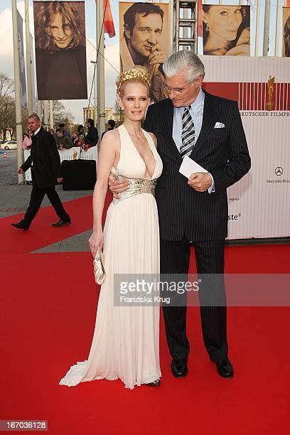Schauspieler Sky Dumont Und Seine Ehefrau Mirja Dumont Bei Der Ankunft Zum Deutschen Filmpreis 2008Lola Im Palais Am Funkturm In Berlin