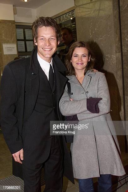 """Schauspieler Steffen Wink + Seine Freundin Jeanne Tremsal Bei Der Premiere Von """"Marlene"""" In München Am 080300"""