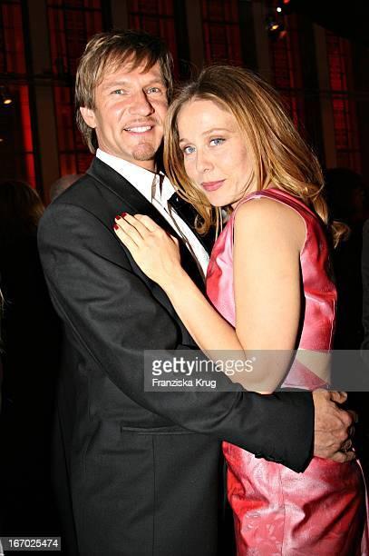 Schauspieler Thure Riefenstein Und Freundin Patricia Lueger Bei Der Verleihung Des Deutschen Filmpreis In Berlin Am 040507