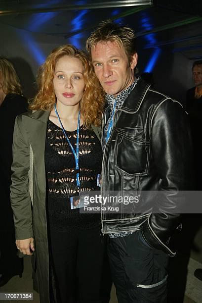 """Schauspieler Thure Riefenstein Und Freundin Patricia Lueger Bei Premierenparty """"Minority Report"""" In Berlin 260902"""