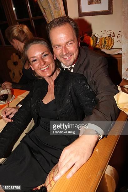Schauspieler Till Demtröder Und Ehefrau Jeanne Julia Demtröder Bei Der Verleihung Des 'Brisant Brillant' In Den Bavaria Studios In München