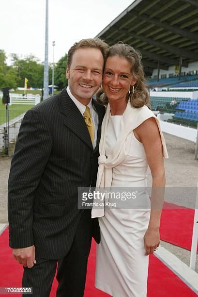 Schauspieler Till Demtröder Und Ehefrau Julia Bei Der 'Audi Opening Night' Am Rande Des Spring Derby Am 280503 In Hamburg