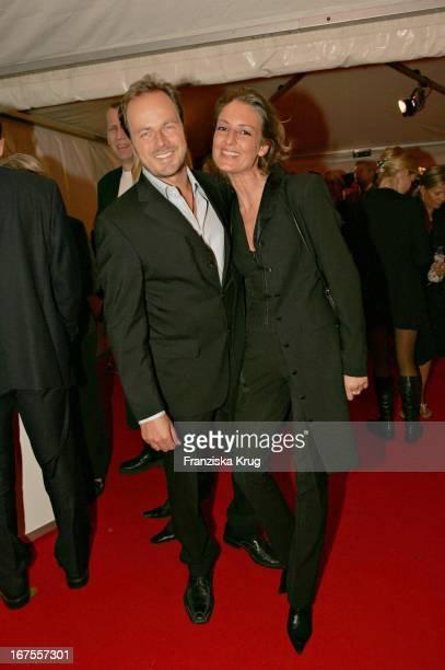Schauspieler Till Demtröder Und Ehefrau Julia Bei Der Verleihung Des 'Studio Hamburg Nachwuchspreis 2004' 'Günter Strack Preis 2004' Und Dem 'Talents...