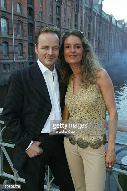 Schauspieler Till Demtröder Und Ehefrau Julia Beim 'Zaf Hansetreff' In Hamburg